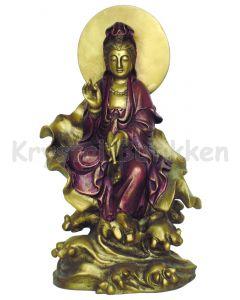 Quin Yin på lotus blomst